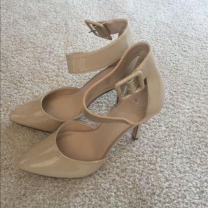 Shoes - NEVER WORN nude heels